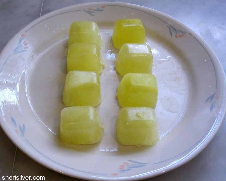 freezing egg whites in ice cube trays