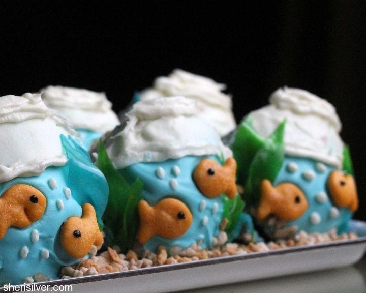 fishbowl cupcakes