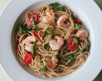 pasta with shrimp tomatoes and lemon vinaigrette