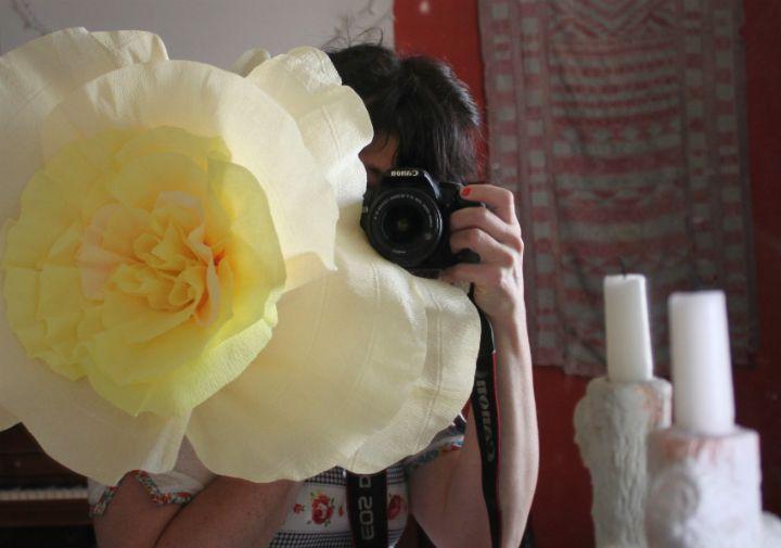 corner blog, paper flower