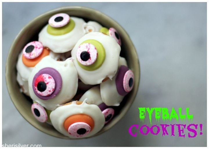 eyeball cookies i mean seriously could you picture a bowl of these at a halloween party or a few in a glassine bag as a trick or treat offering