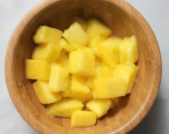 easiest way to peel a mango