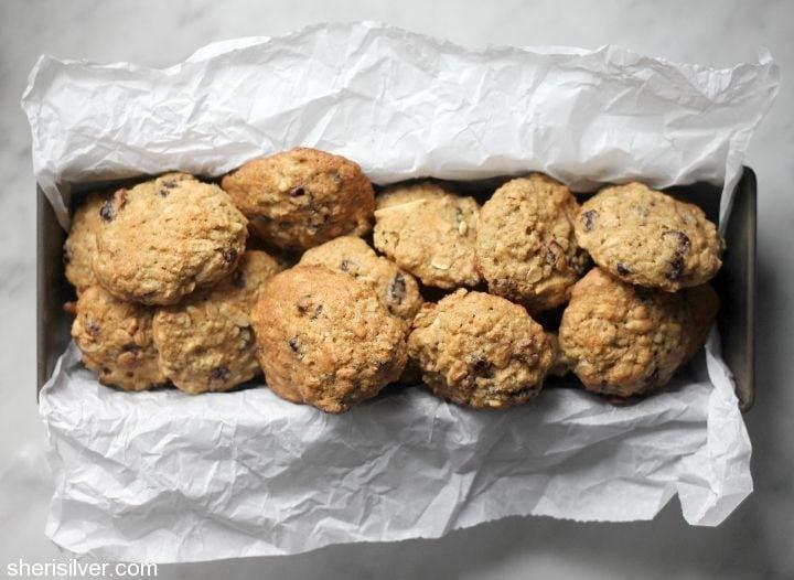 almond cranberry quinoa breakfast cookies