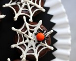 "halloween ""in the house"": spiders and webs cupcakes!"