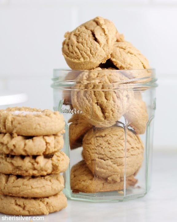 3 ingredient vegan peanut butter cookies