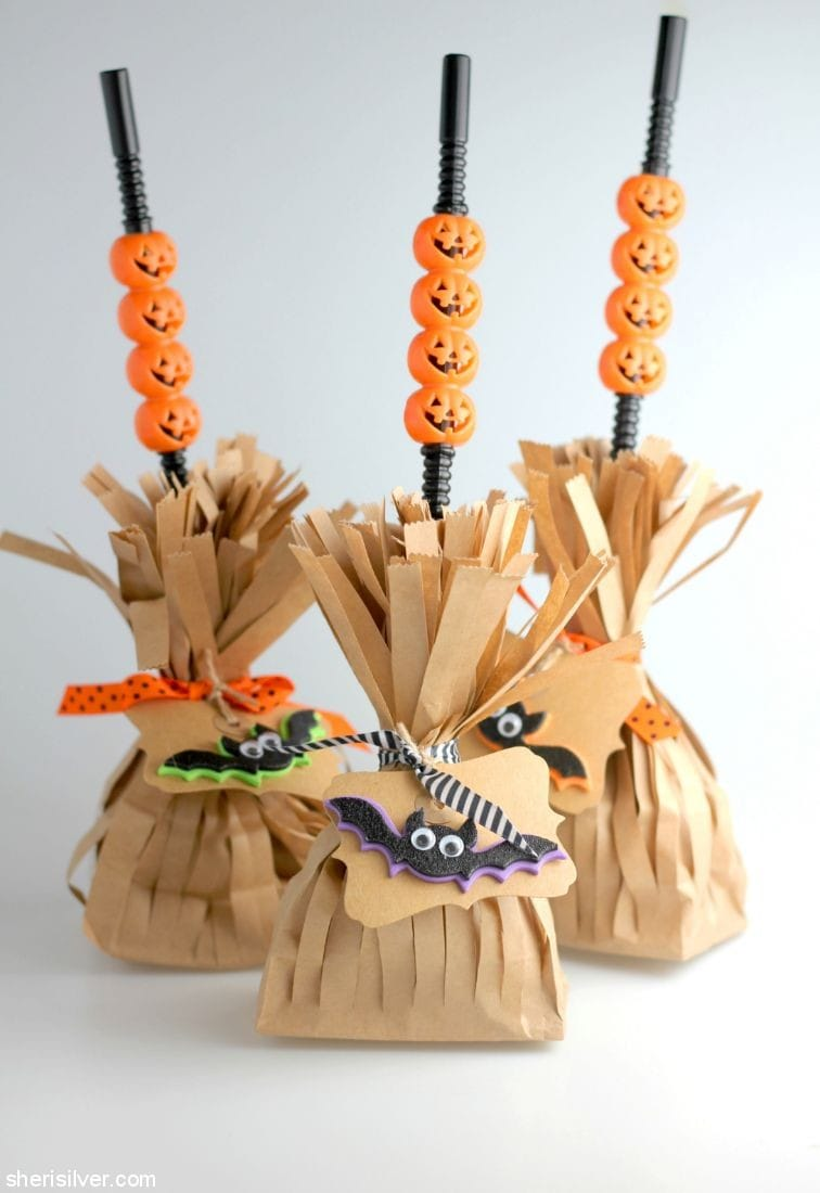 Witch's Broom Treat Bags l sherisilver.com
