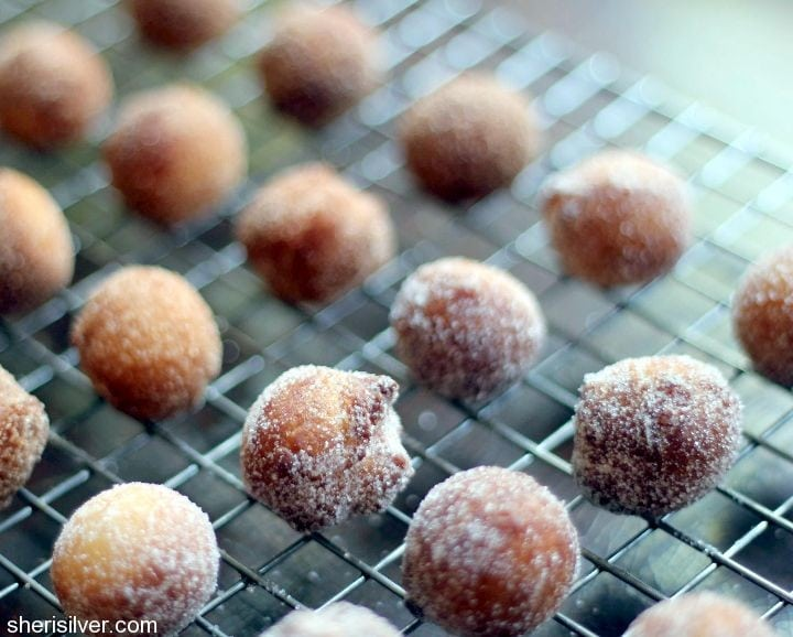 sugared cake doughnuts