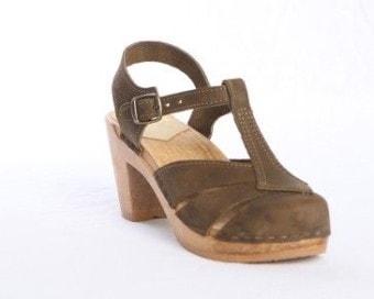 sven diamond strap closed toe