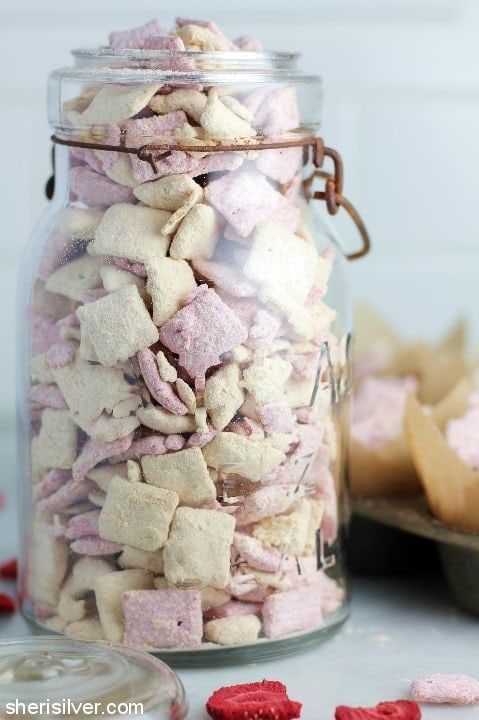 peanut butter and jelly muddy buddies