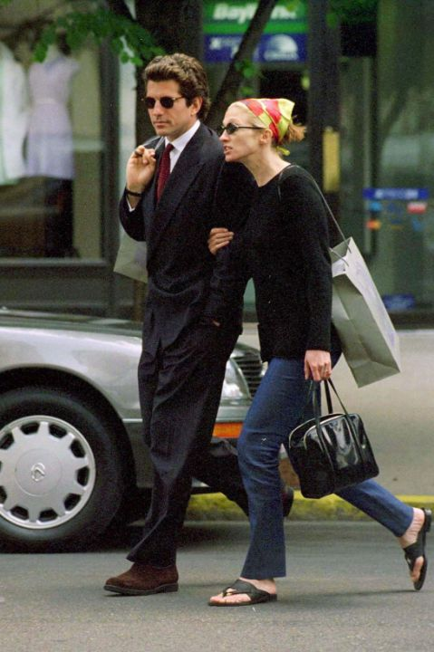 Style Icons Carolyn Bessette Kennedy l sherisilver.com