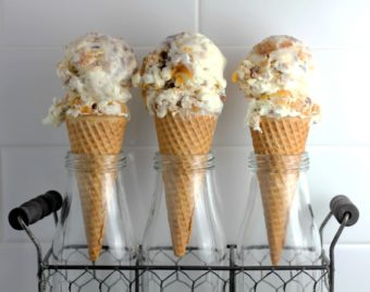 Peach Cobbler Ice Cream l sherisilver.com