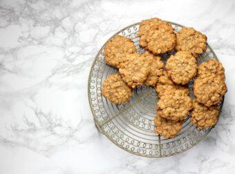 3-Ingredient Oatmeal Cookies l sherisilver.com