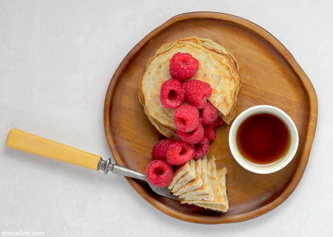 2-Ingredient Banana Pancakes l sherisilver.com