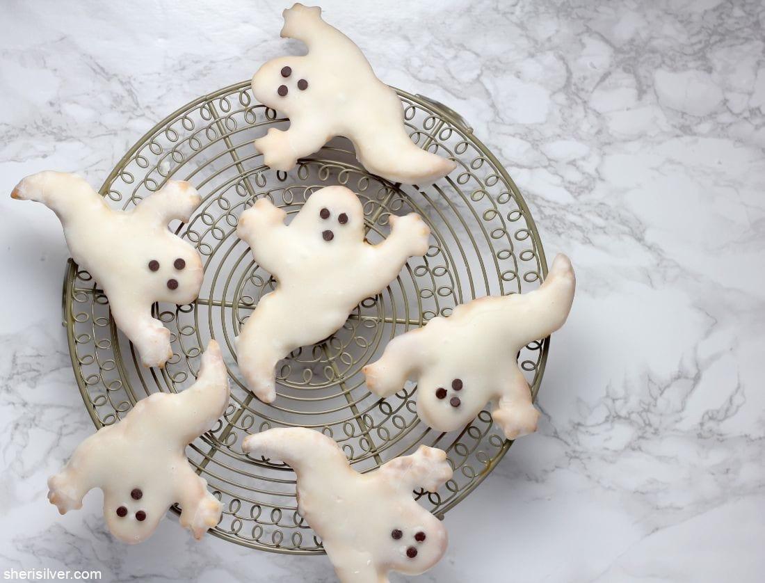 Pumpkin Butter Ghost Hand Pies l sherisilver.com