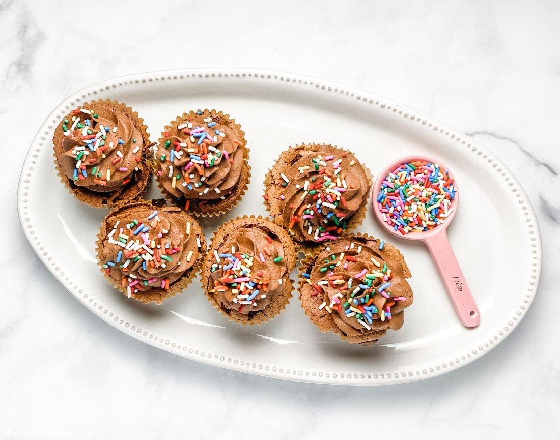 Flourless Chocolate Cupcakes l sherisilver.com