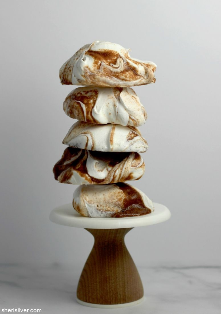 Nutella Swirled Meringues l sherisilver.com