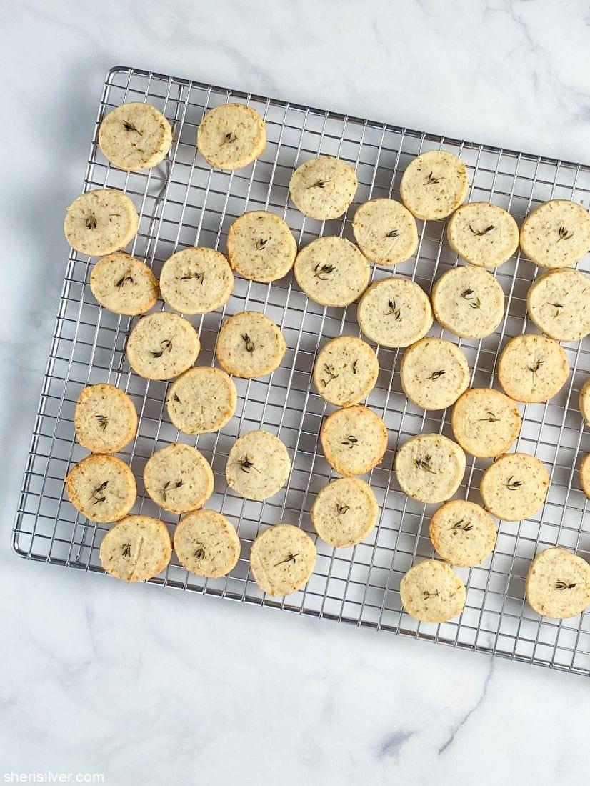 Parmesan Thyme Crackers l sherisilver.com