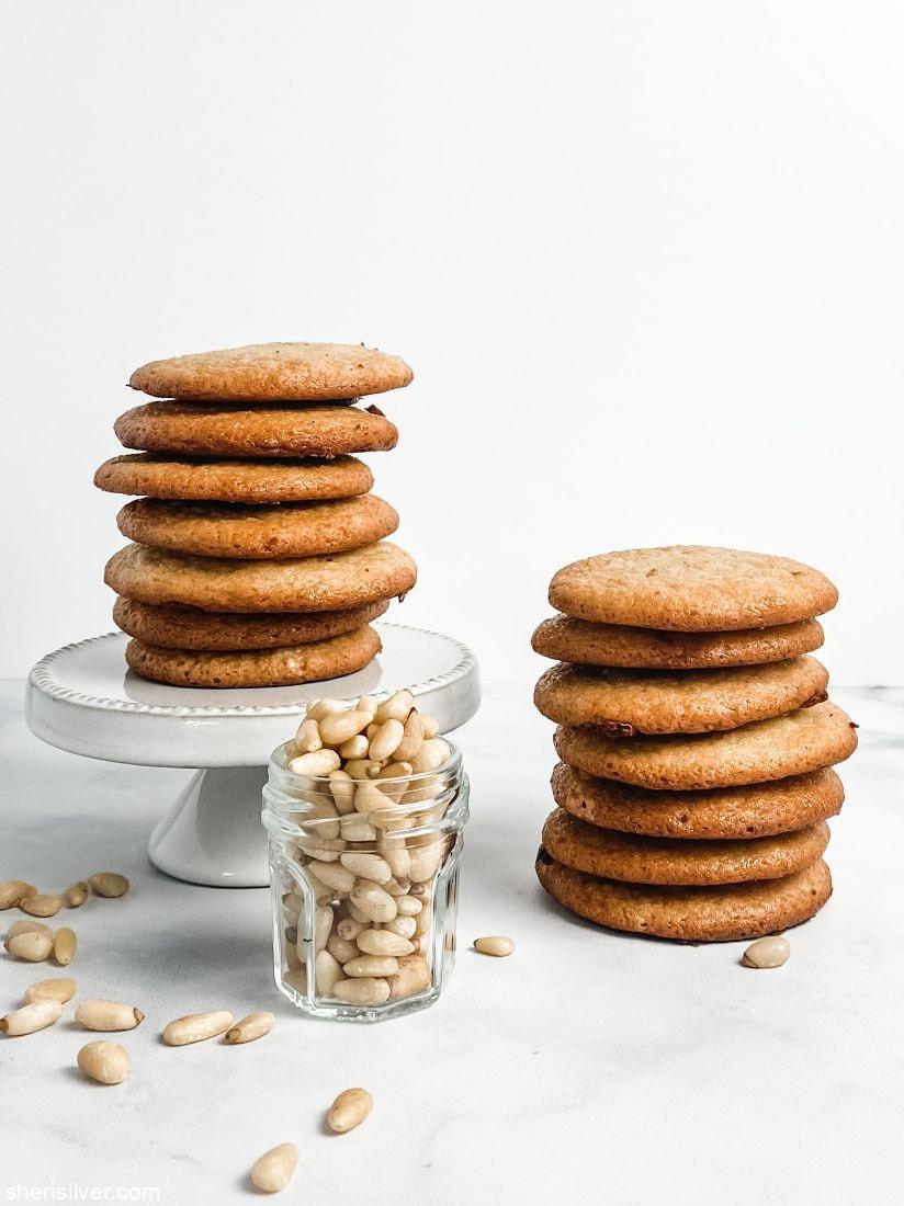 Pignoli Cookie Pops l sherisilver.com