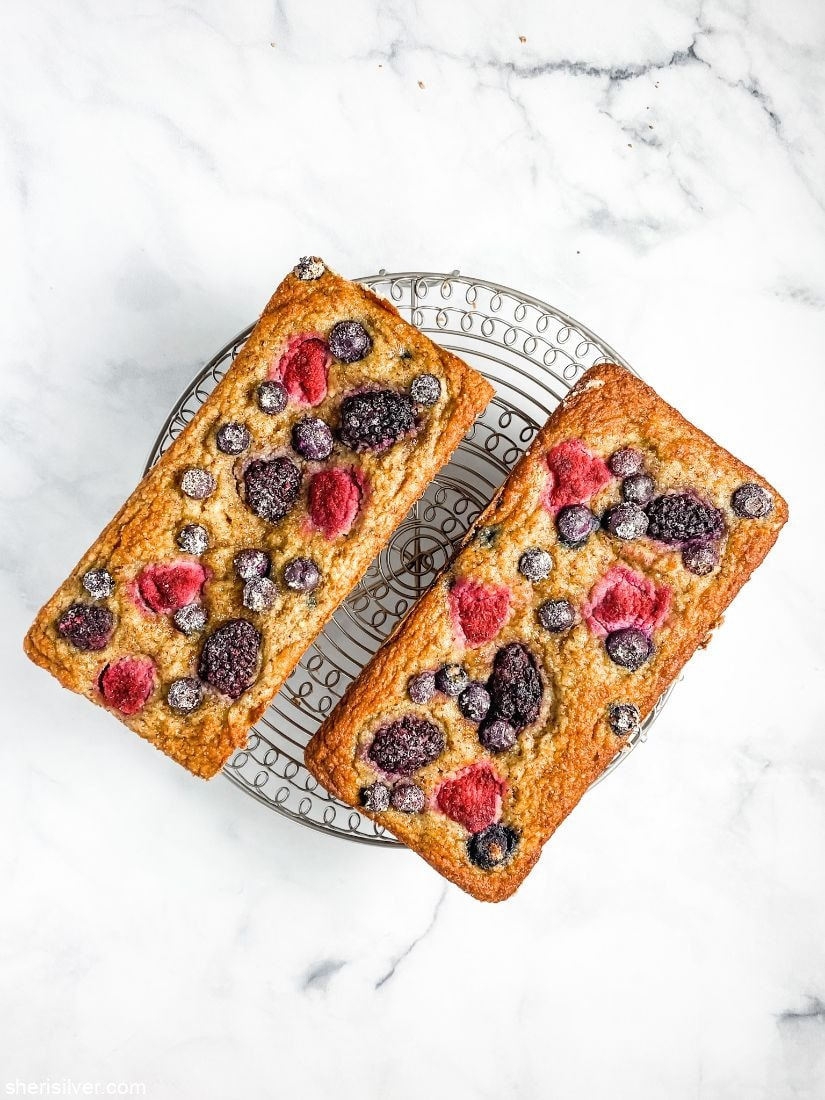 GF Mixed Berry Cake l sherisilver.com